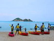 Kayaking Tokashiki island